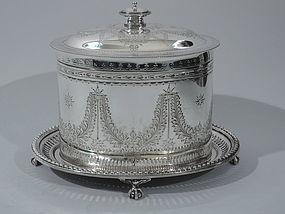 Edwardian English Neoclassical Silver Plate Biscuit Box on Stand